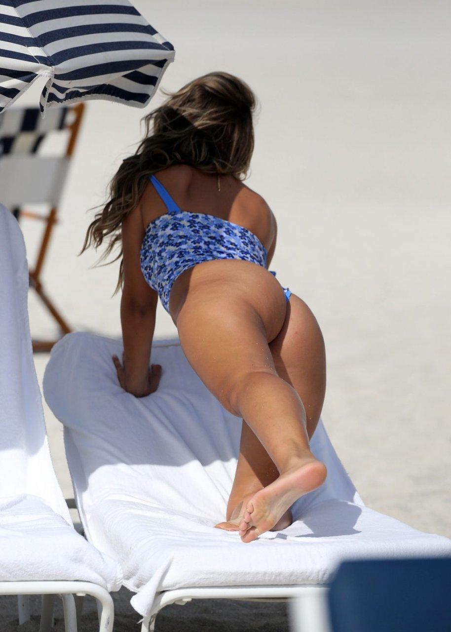 Sofia Jamora Sexy (45 Photos)