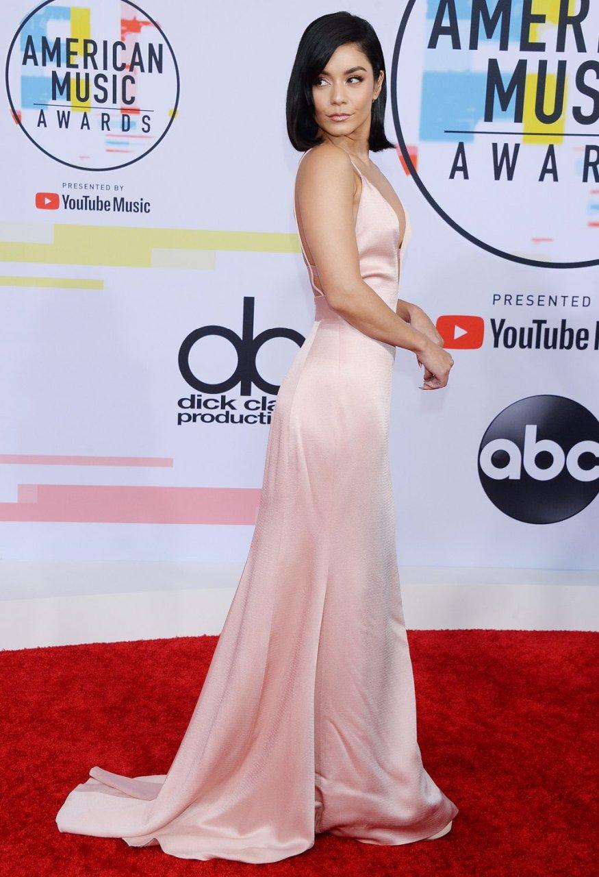 Vanessa Hudgens Sexy (33 Photos)
