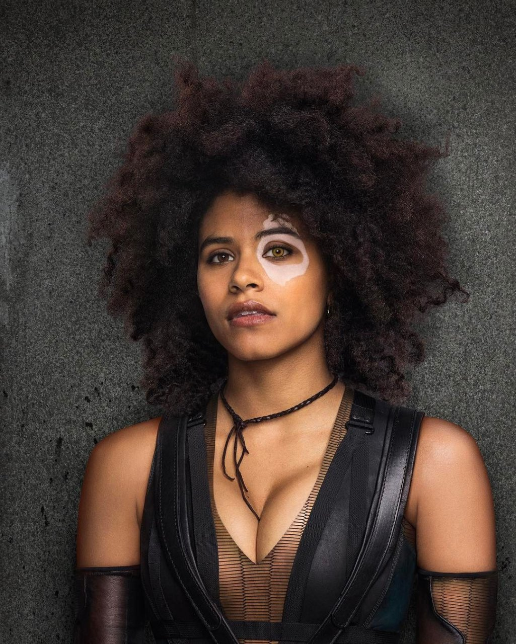 Topless Zazie Beetz nude photos 2019