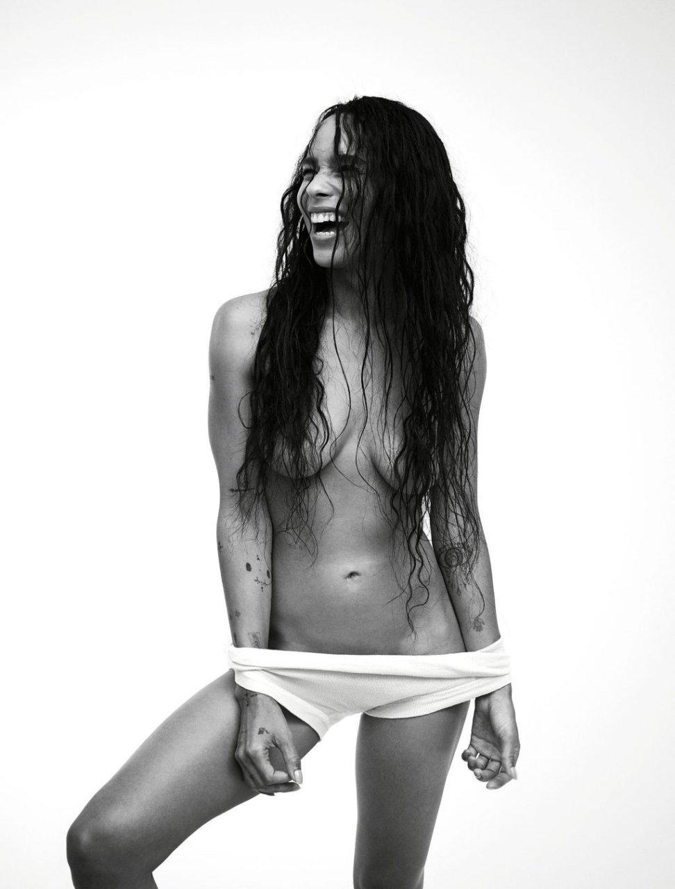 Zoe Kravitz Nude & Sexy (7 Photos)