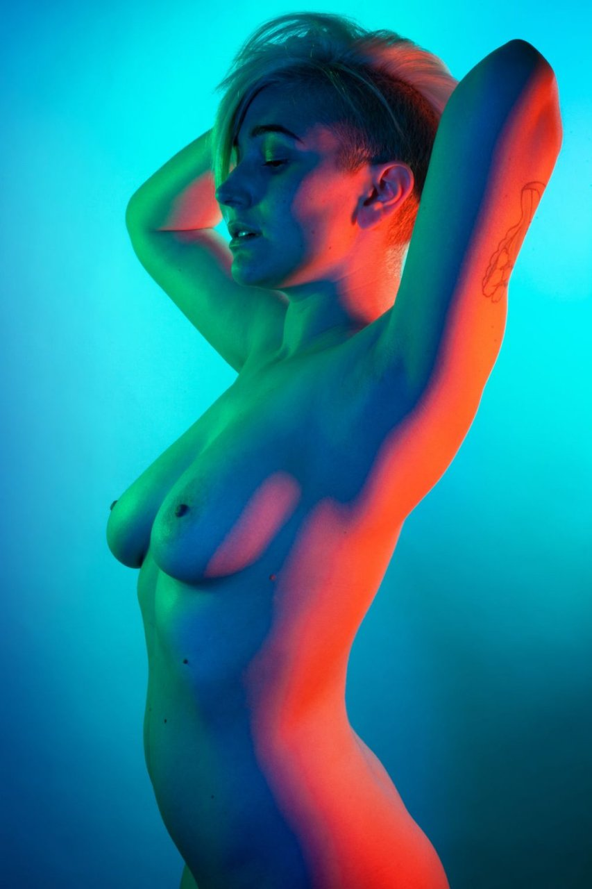 Gaby Dunn Nude (2 Photos)