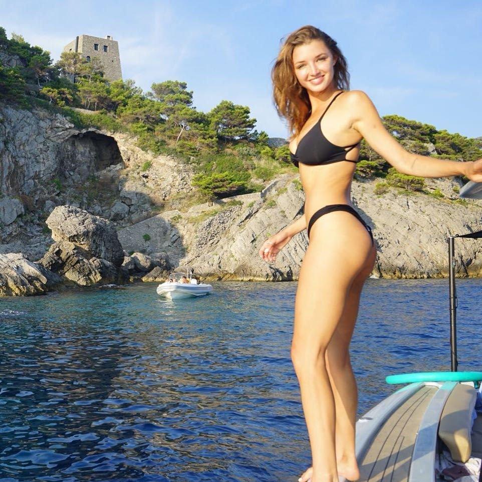 Alyssa Arce Nude & Sexy (30 Photos)