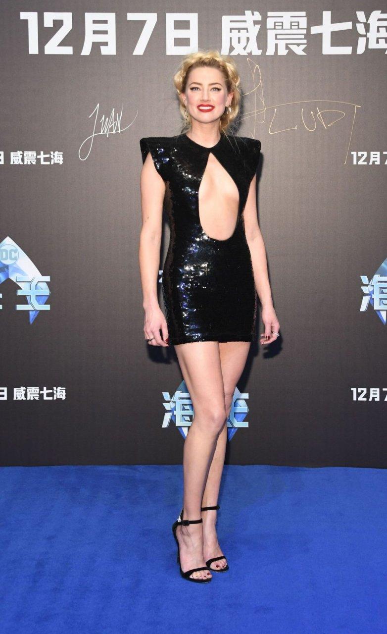 Amber Heard Sexy (10 Photos)