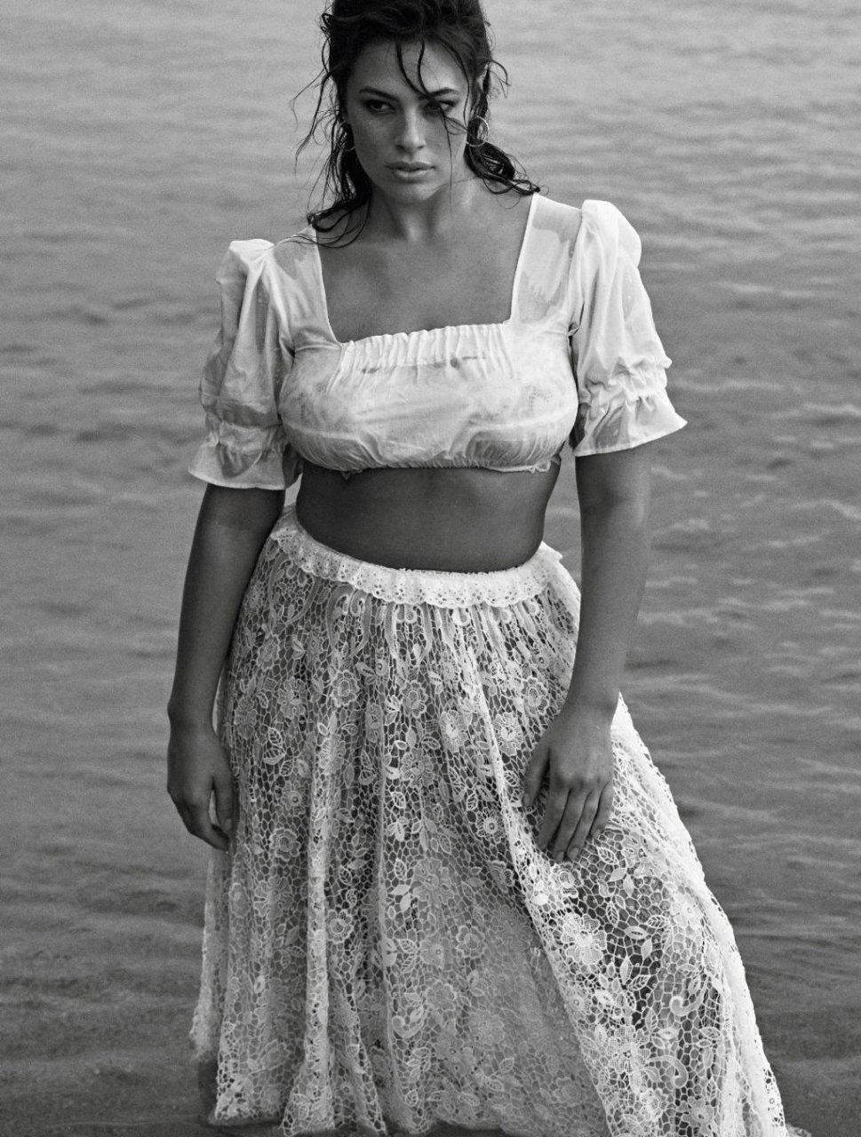 Ashley Graham Sexy (17 Photos)