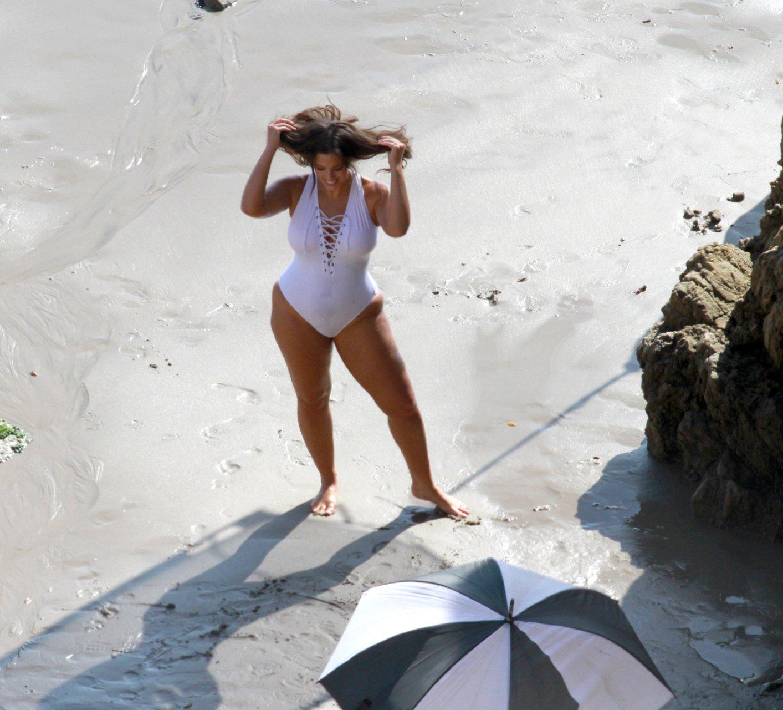 Ashley-Graham-Sexy-TheFappeningBlog.com-41.jpg