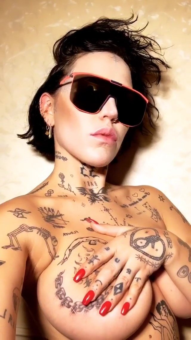 Brooke Candy Topless (5 Pics + GIFs)