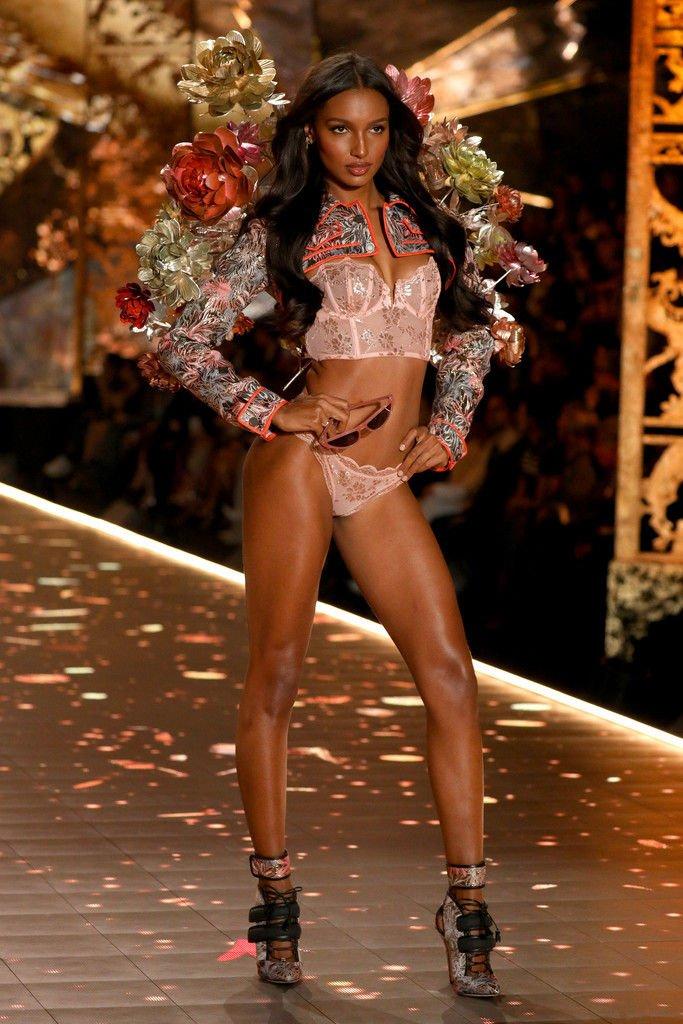 Jasmine Tookes Sexy (18 Photos)
