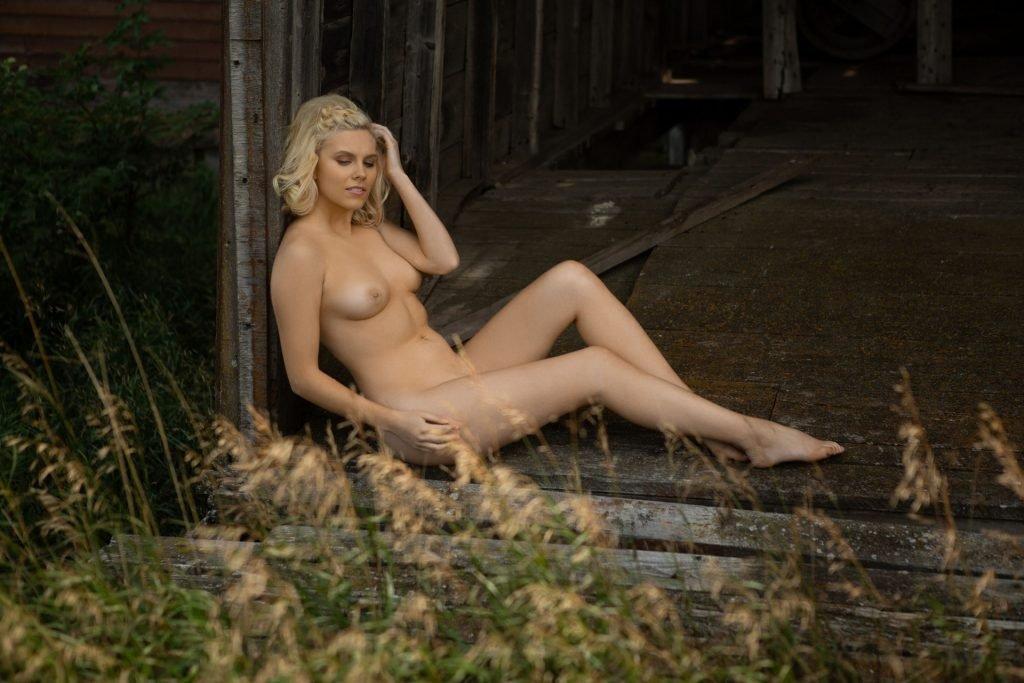 Jenessa Dawn Nude & Sexy (27 Photos + Video)