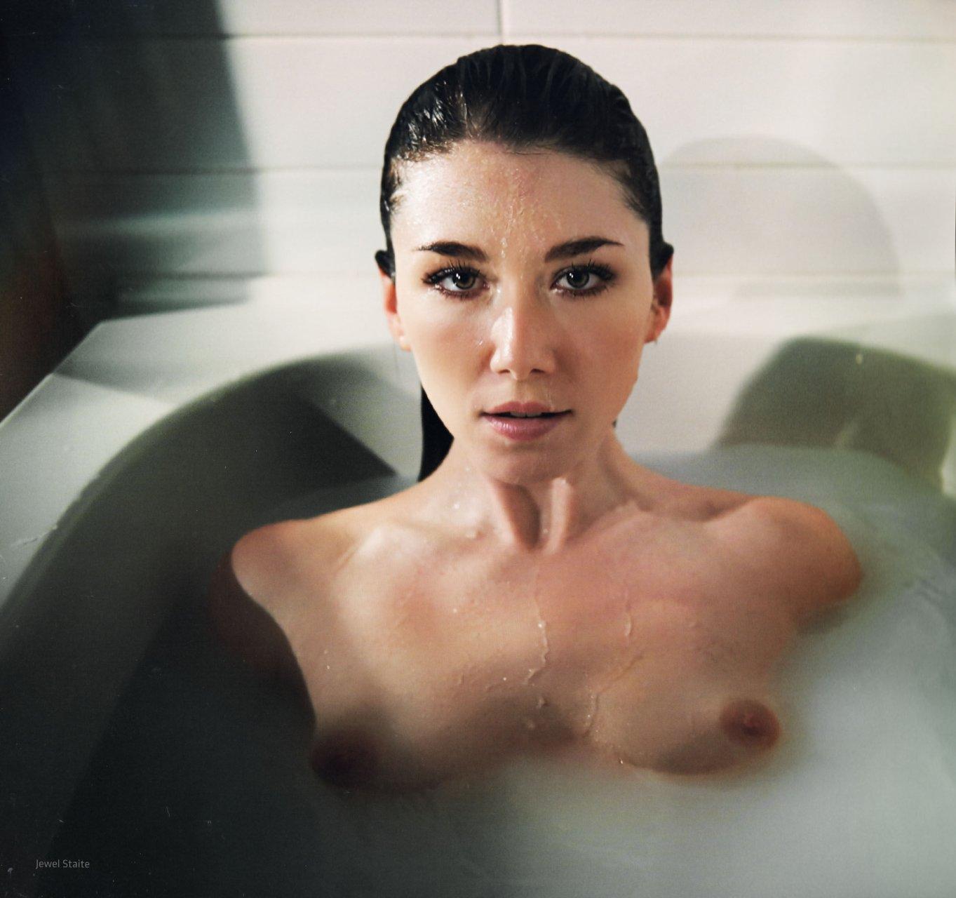 rifka zorean naked