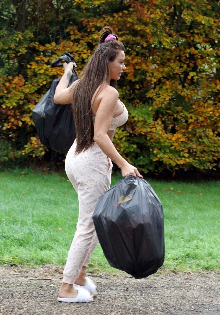 Katie Price Sexy (68 Photos)