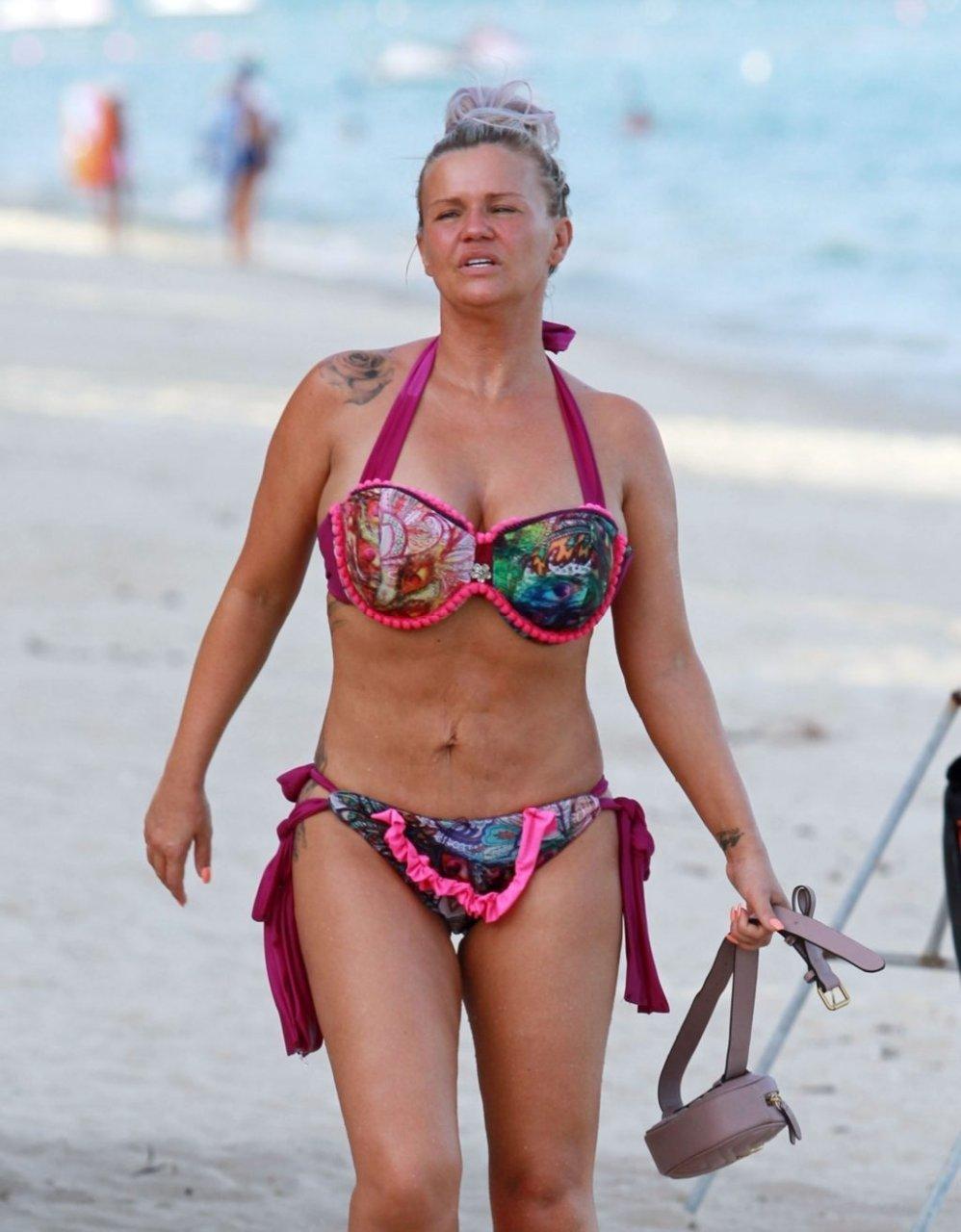 Kerry Katona Hot (35 Photos)