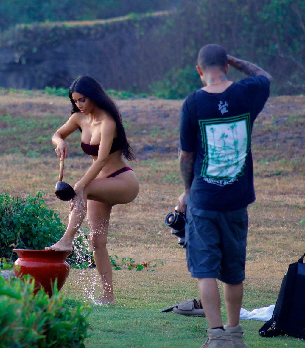 Kim Kardashian Sexy (10 Photos)