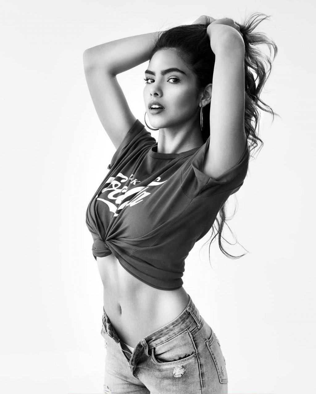 Melanie Bello Vallejos Sexy & Topless (90 Photos)