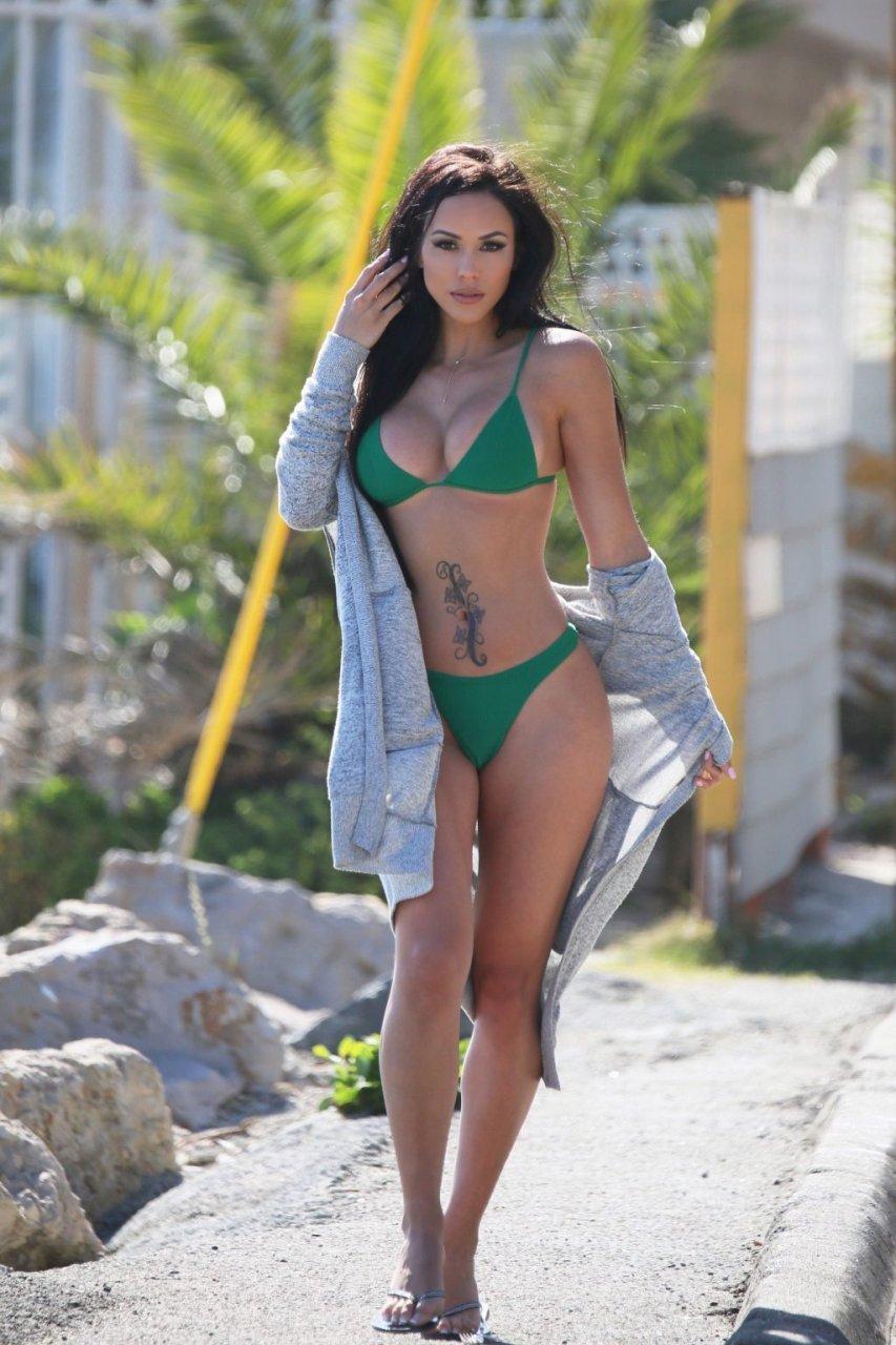Melissa Riso Sexy (11 Photos + GIFs & Video)