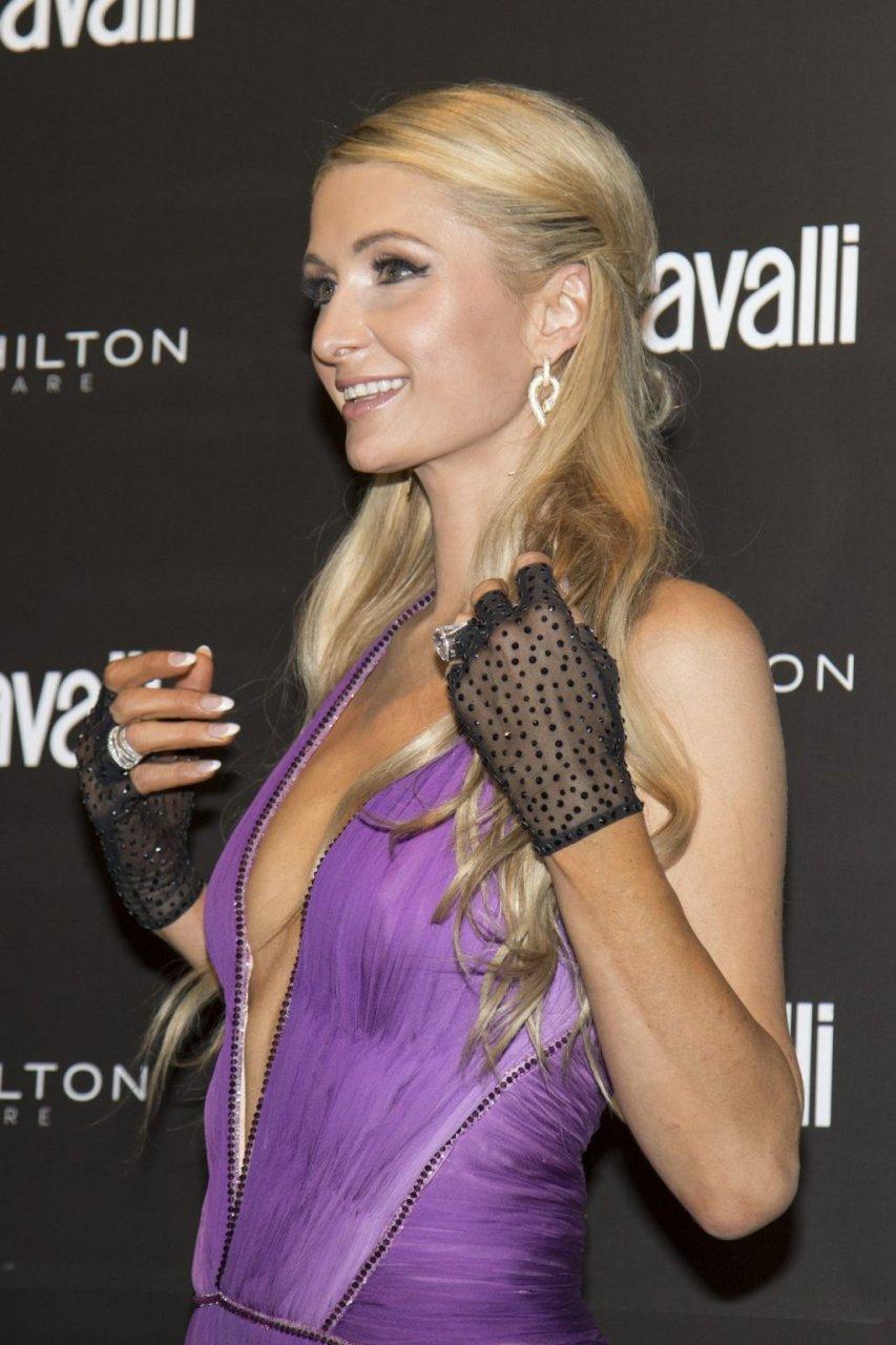 Paris Hilton Hot (26 Photos)