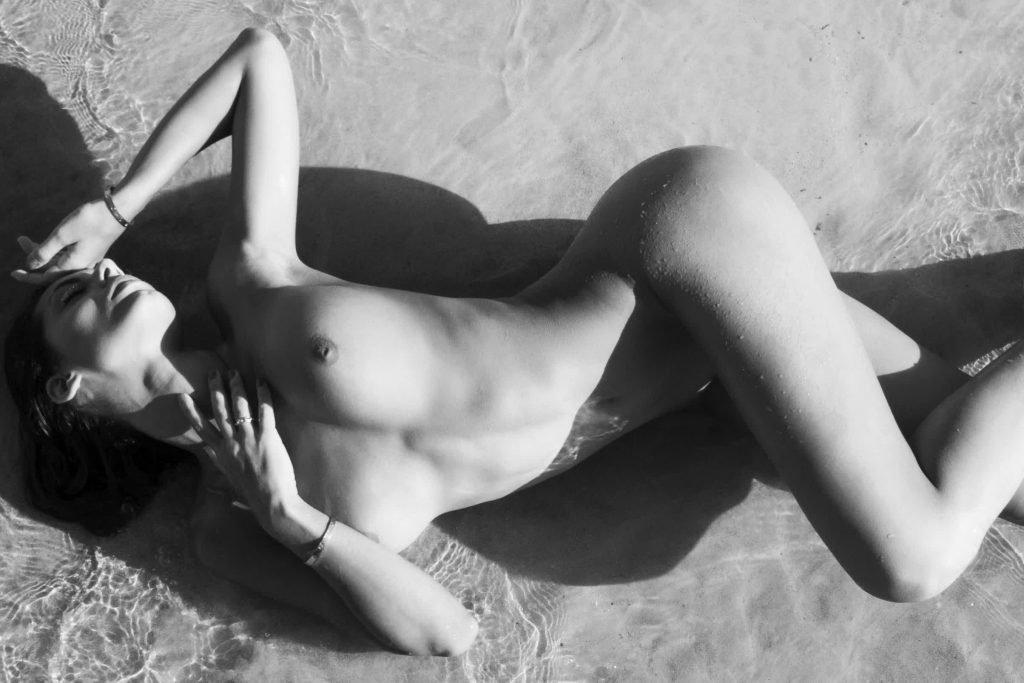Raffaella Modugno Nude (9 Photos)