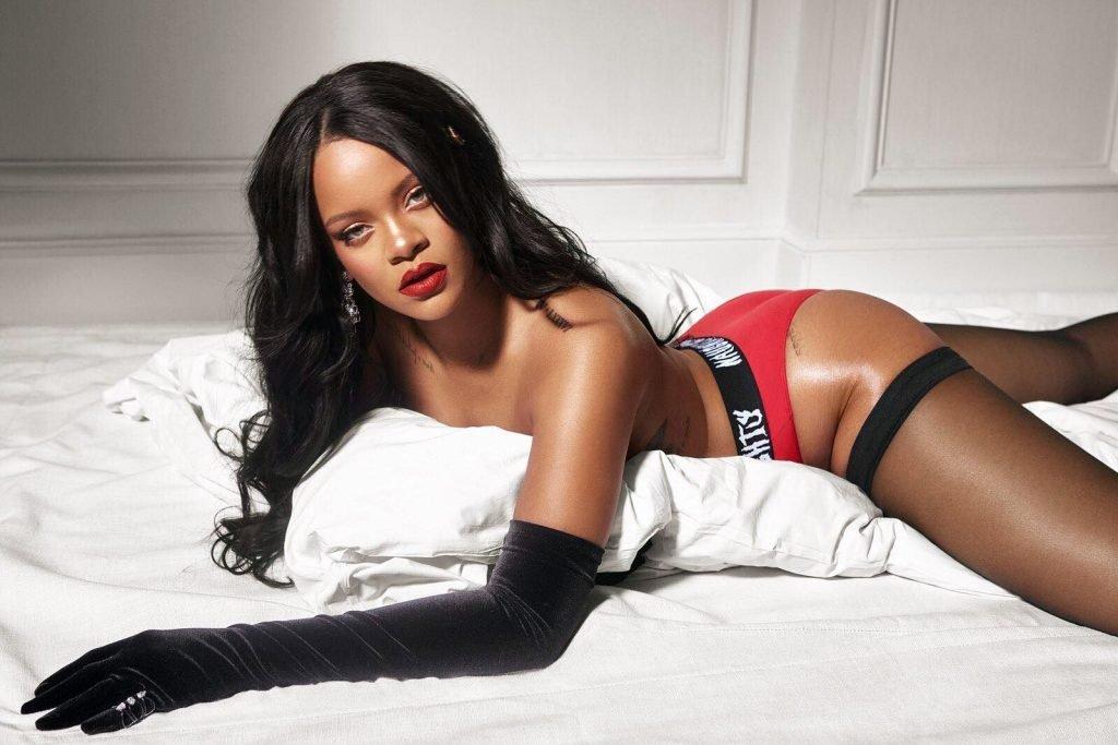 Rihanna Topless (2 Photos)