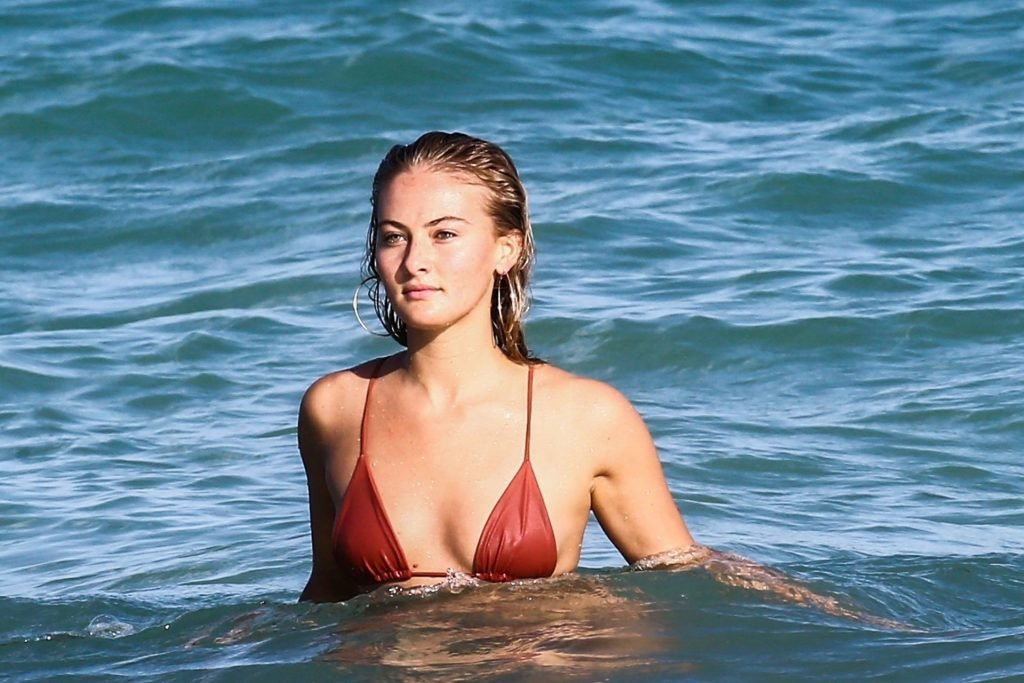 Selena Weber Sexy (37 Photos)