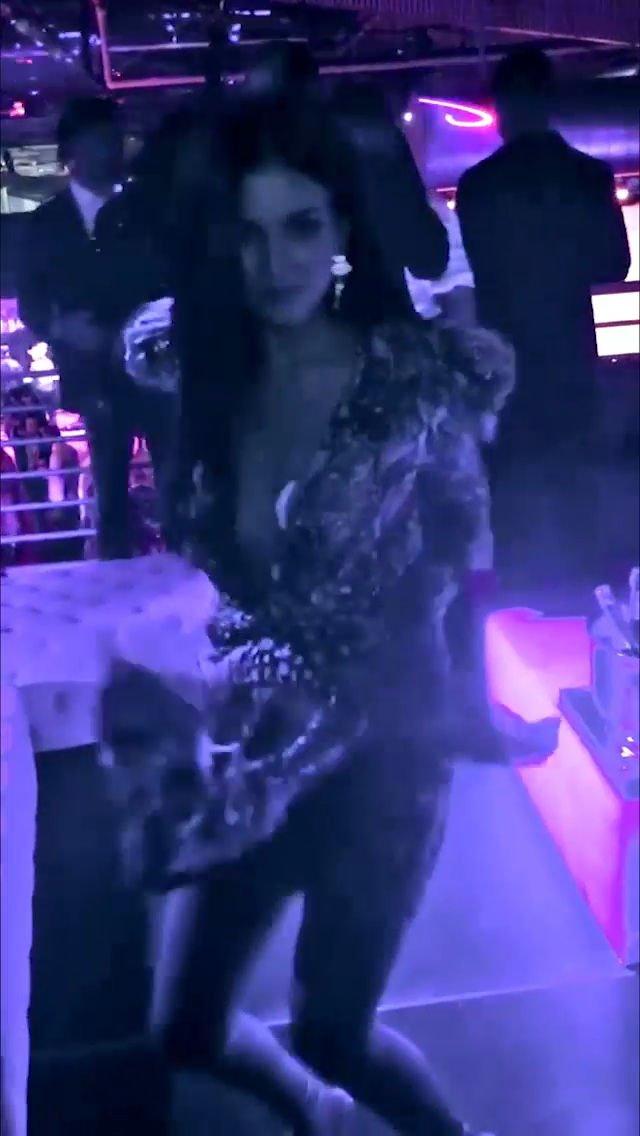 Victoria Justice Sexy (24 Photos + Video)