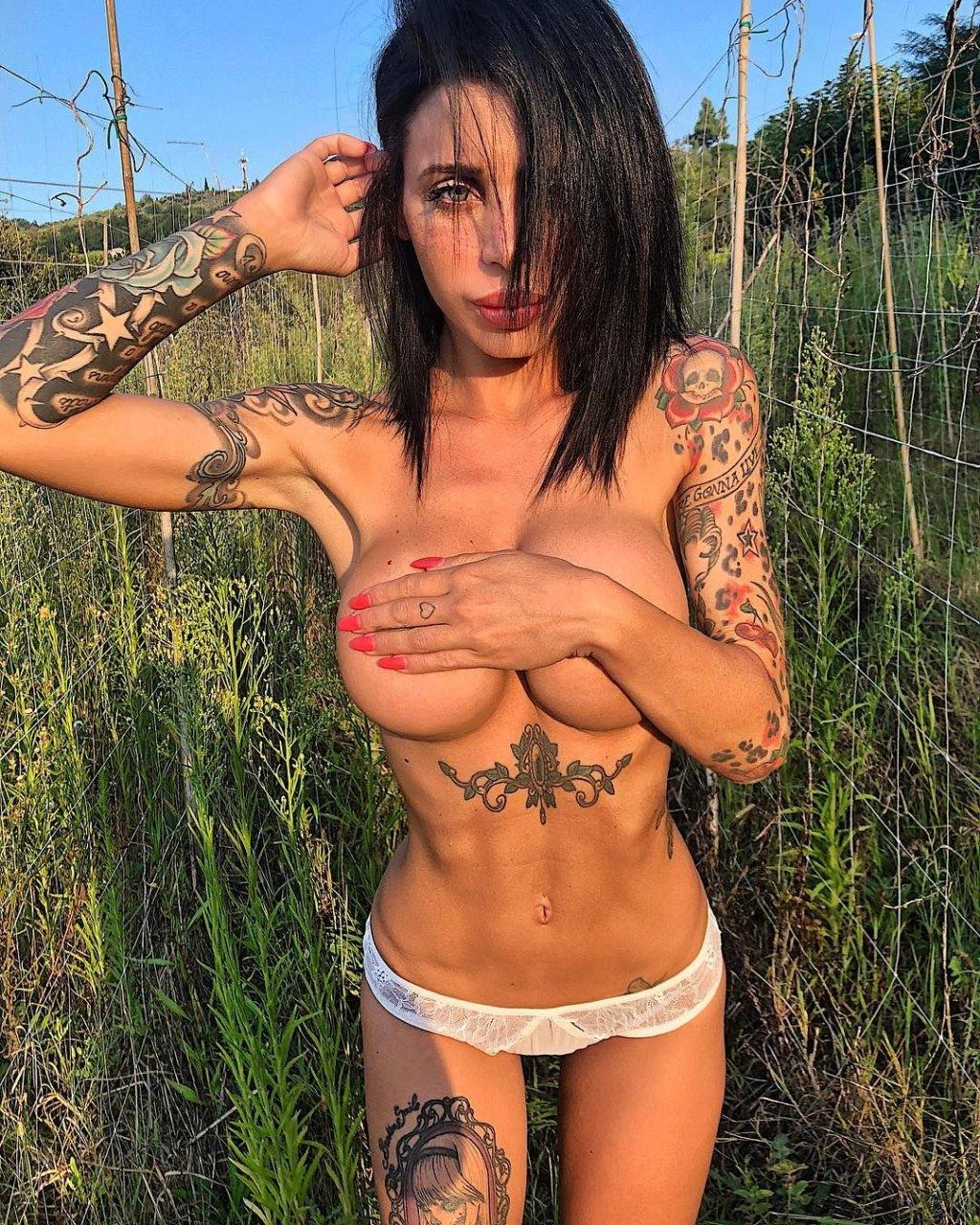nackt Mucci Alexis Alexis Mucci