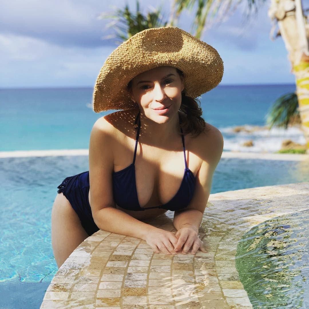 Alyssa Milano Nua alyssa milano nude photos and videos | #thefappening