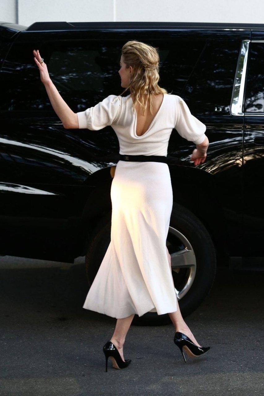 Amber Heard Sexy (47 Photos + GIFs)