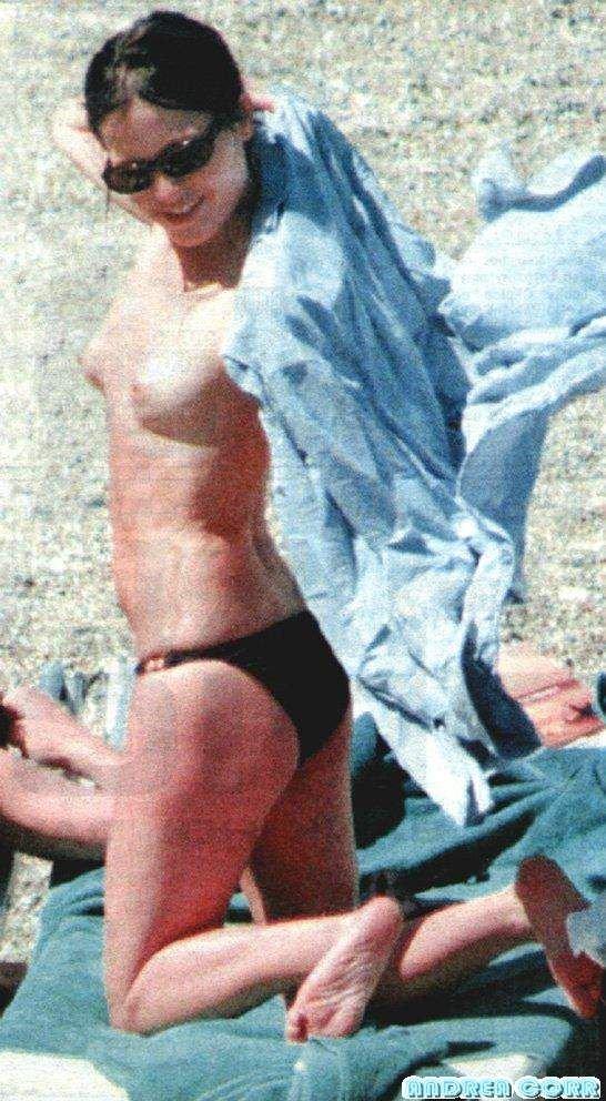 Andrea Corr Nude & Sexy (56 Photos)