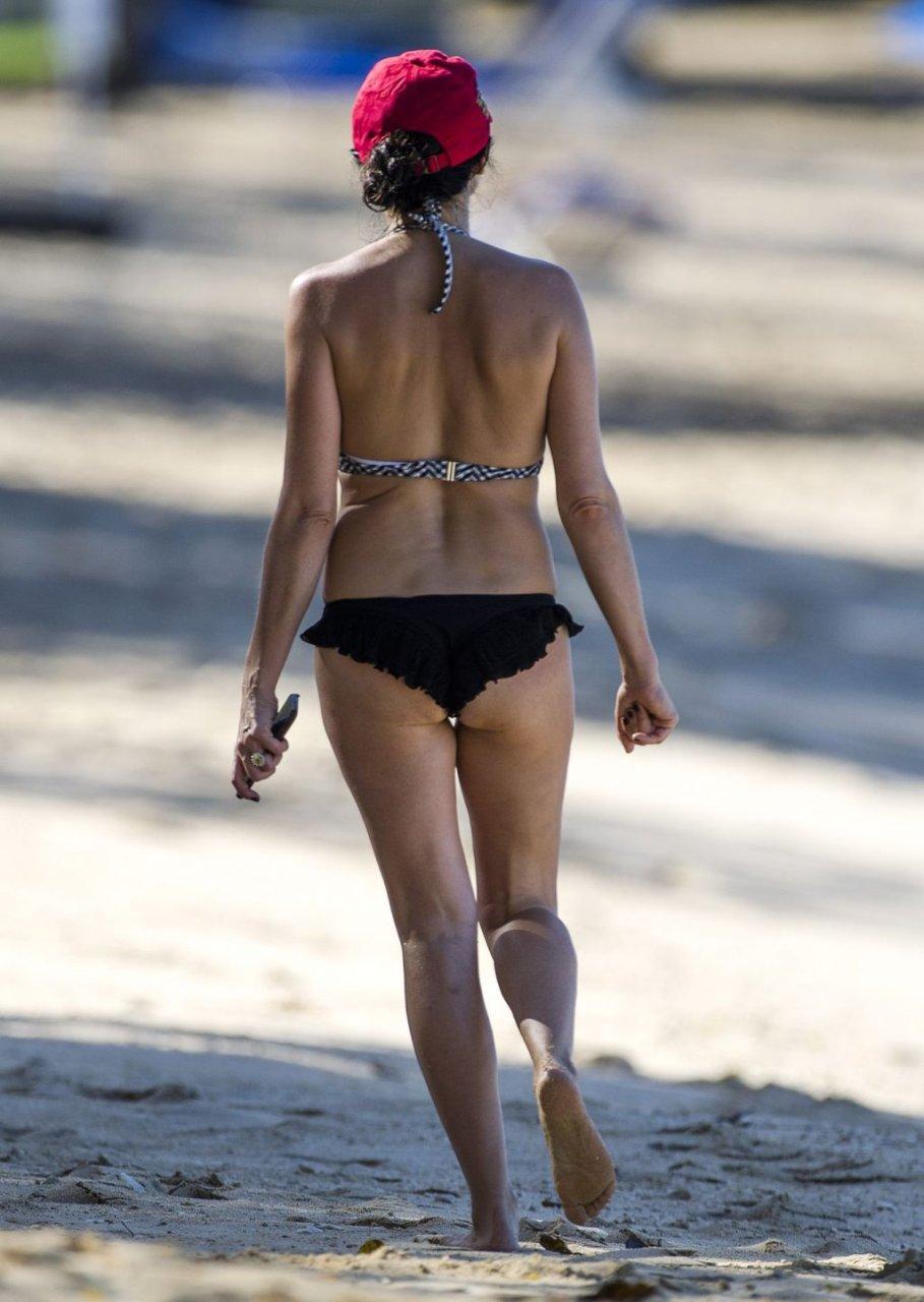 Andrea Corr Hot (31 Photos)