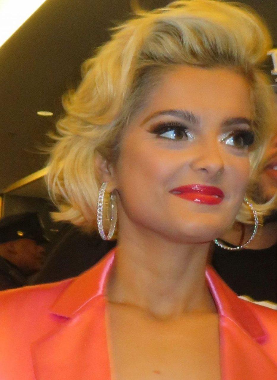 Bebe Rexha Sexy (16 Photos)