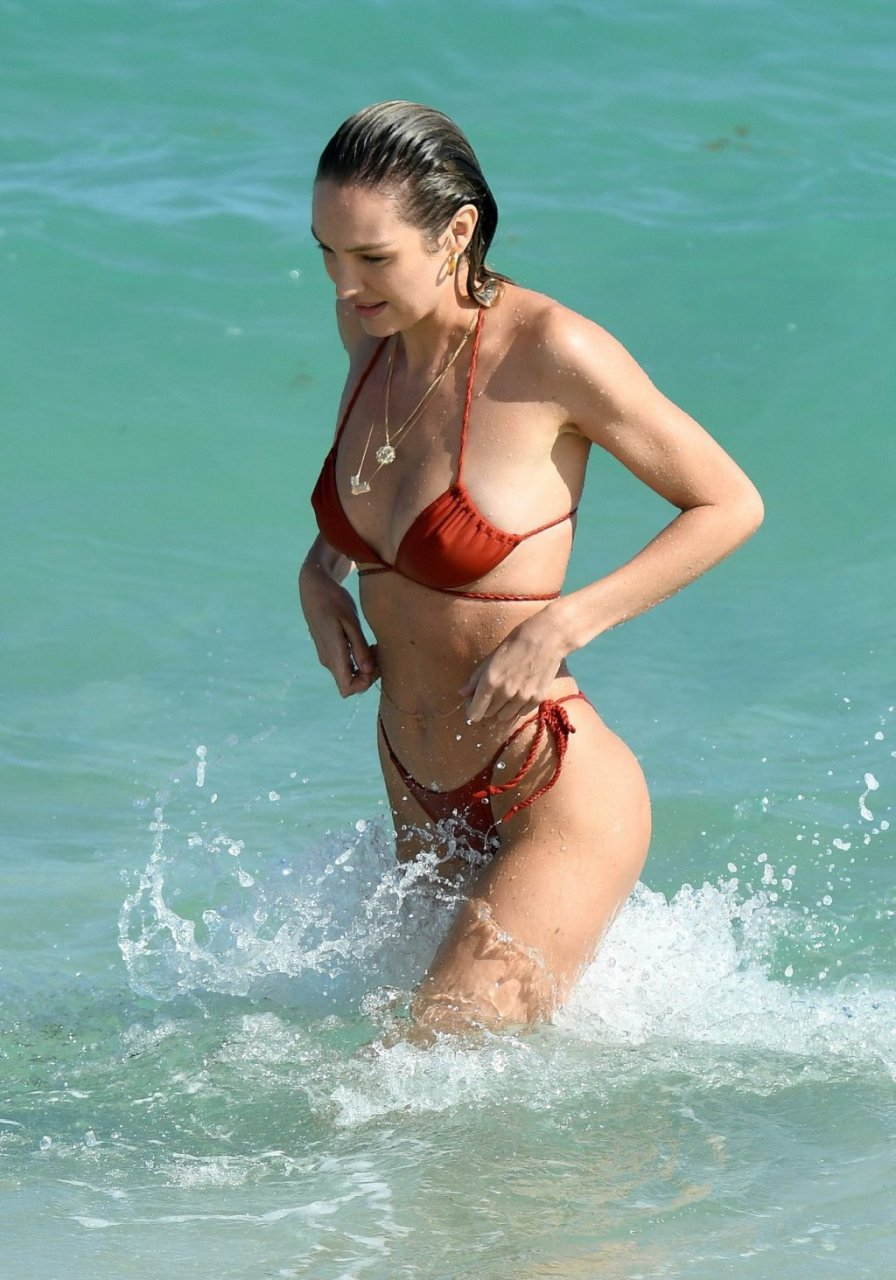 Candice Swanepoel Sexy (188 New Photos)