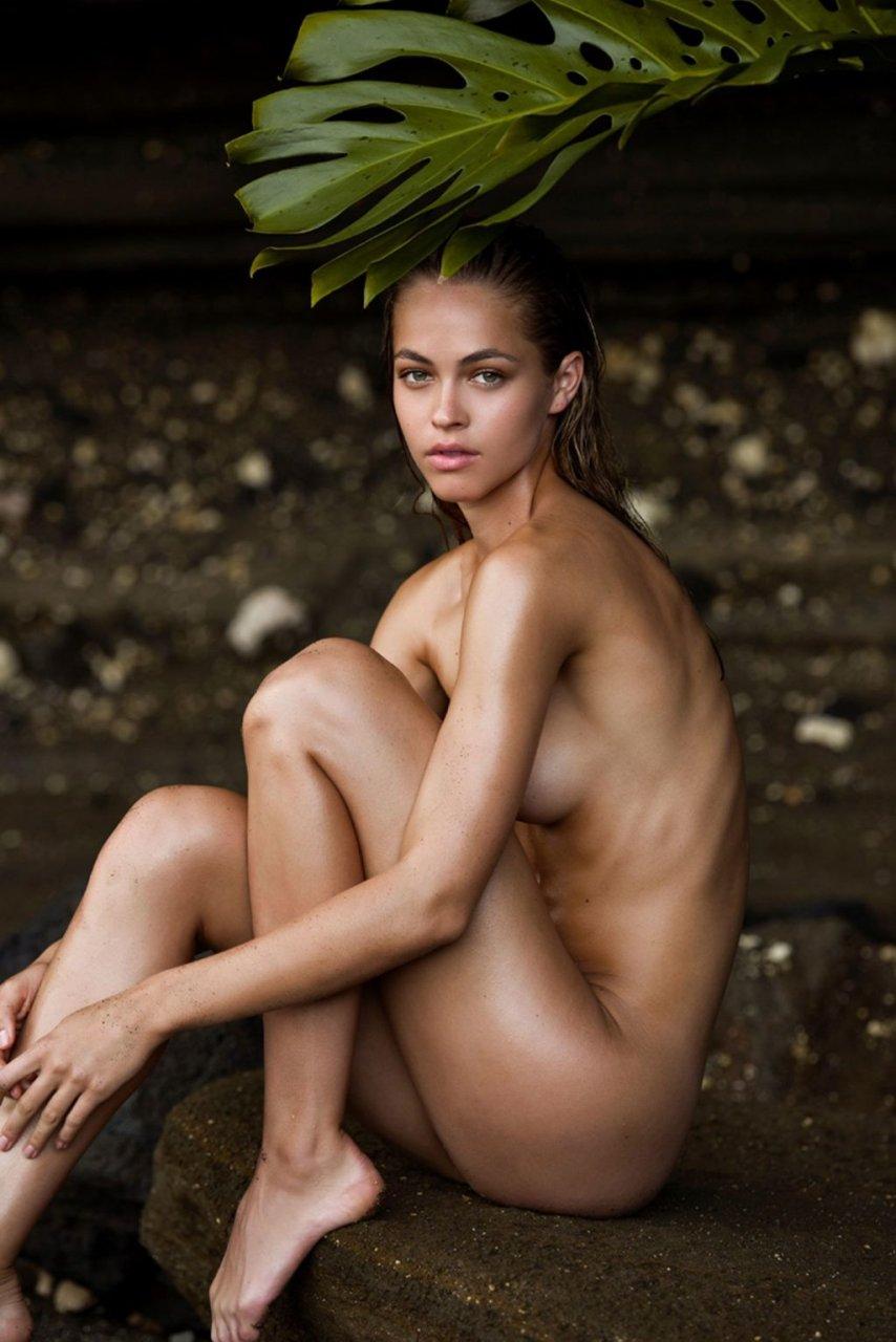 Caroline Kelley Nude (5 Photos)