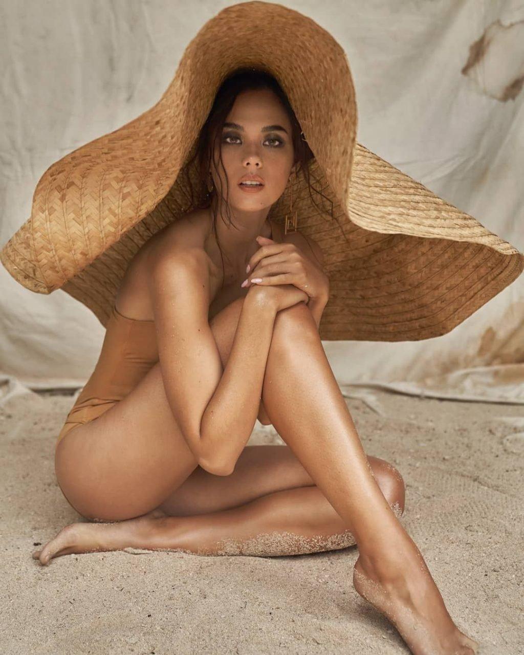 Catriona Gray Topless