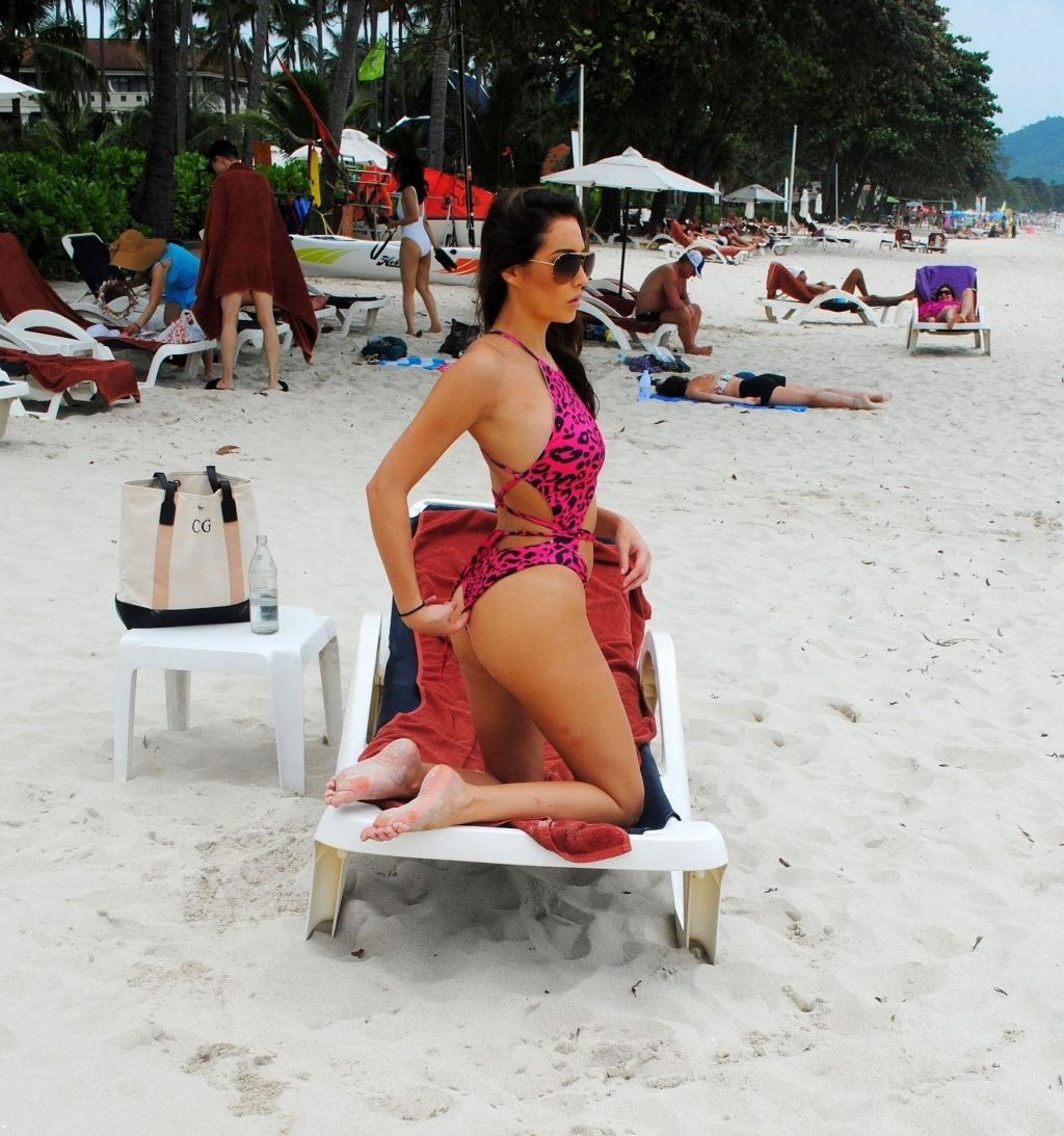 Chloe Goodman Sexy (15 Photos)