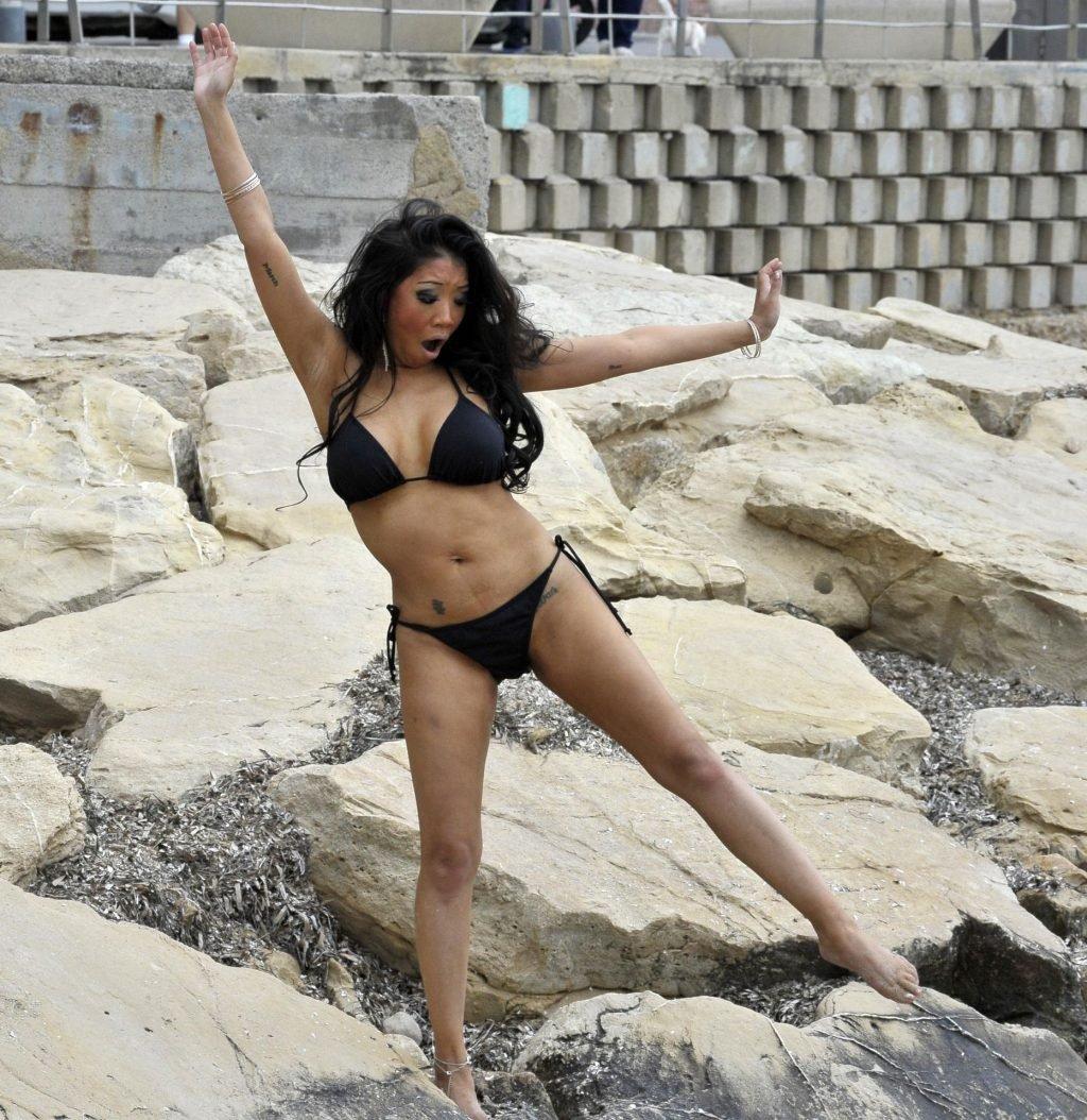 Chrissie Wunna Sexy (17 Photos)