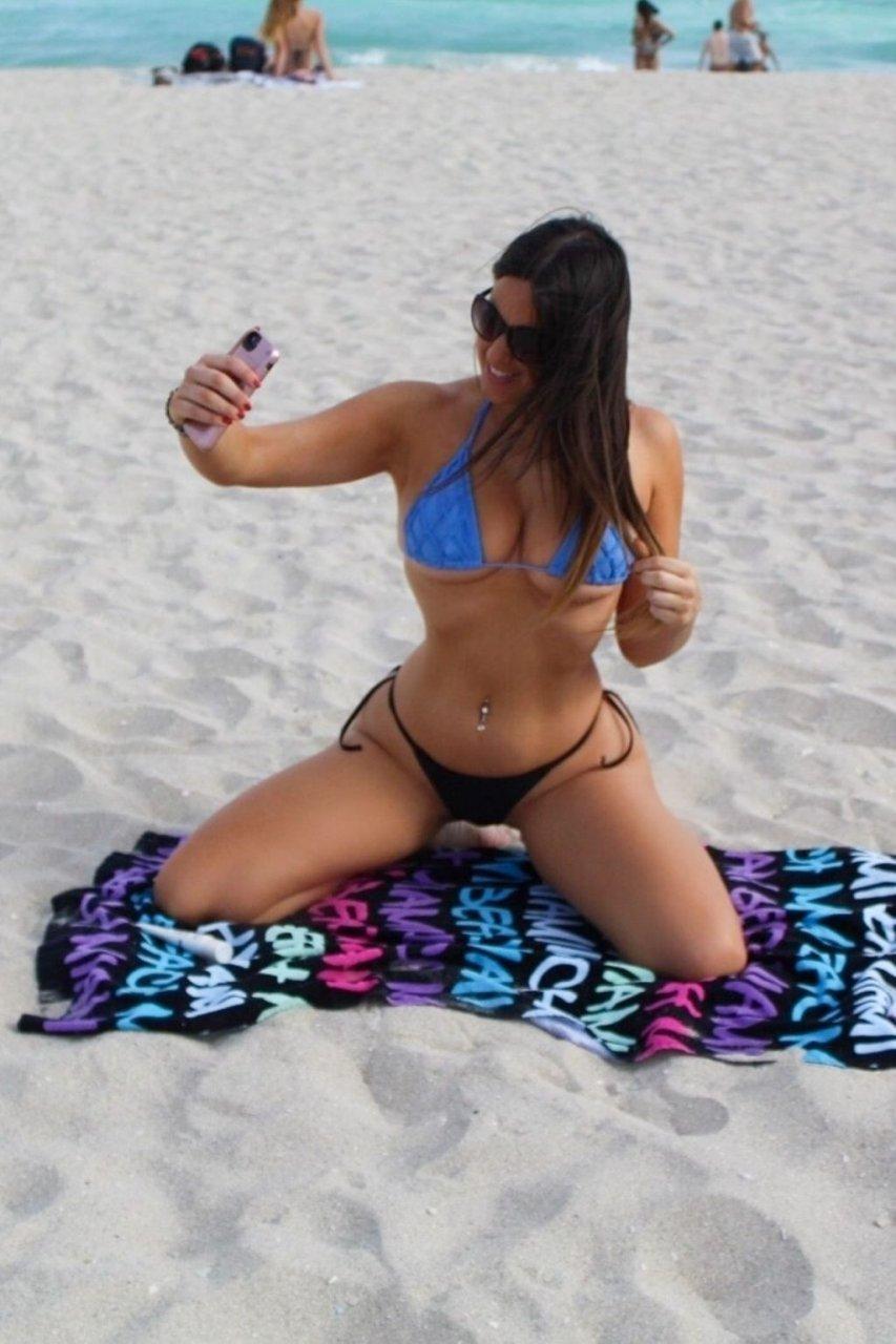 Claudia Romani (10 Hot Pictures)