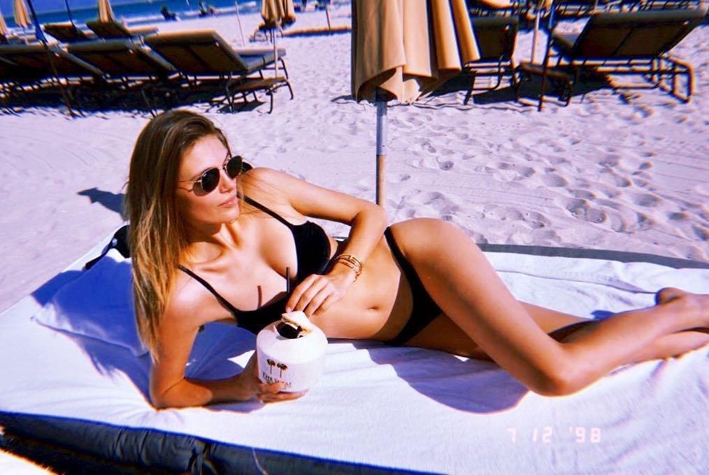 Daphne Groeneveld & Madison Headrick Sexy (30 Photos)