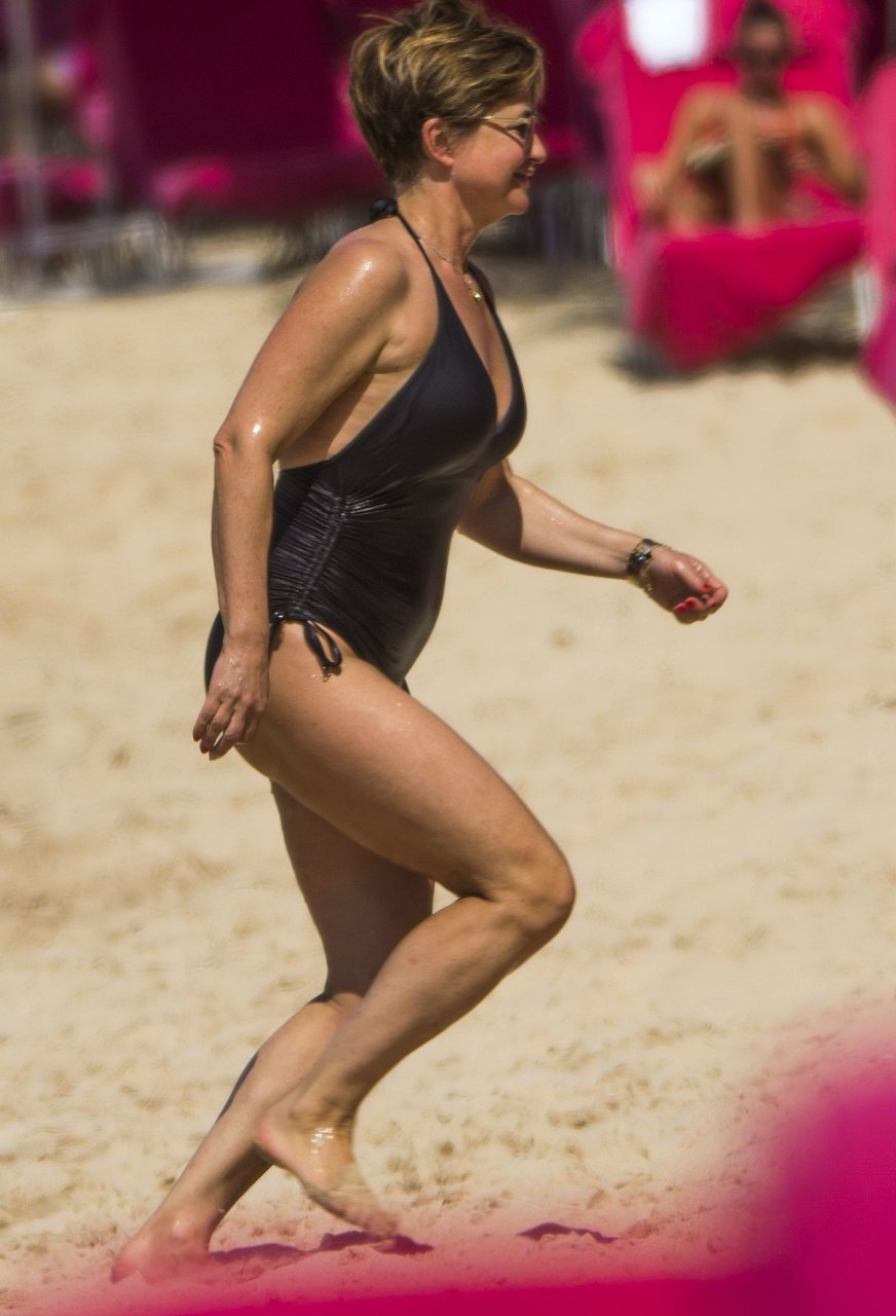 Emma Forbes was spotted in a classic swimsuit on the beach in Barbados, 12/27/2018.