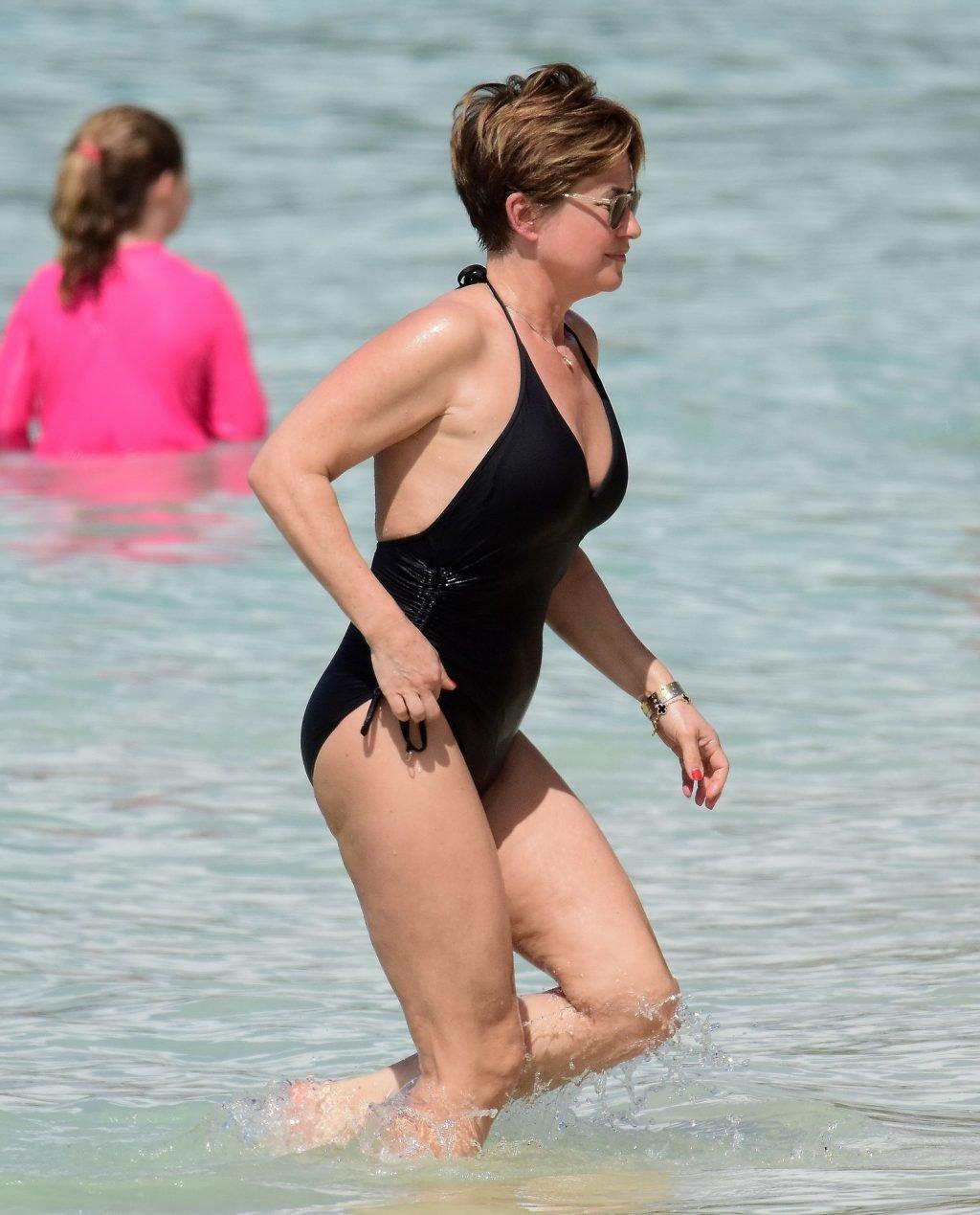 Emma Forbes Hot (57 Photos)