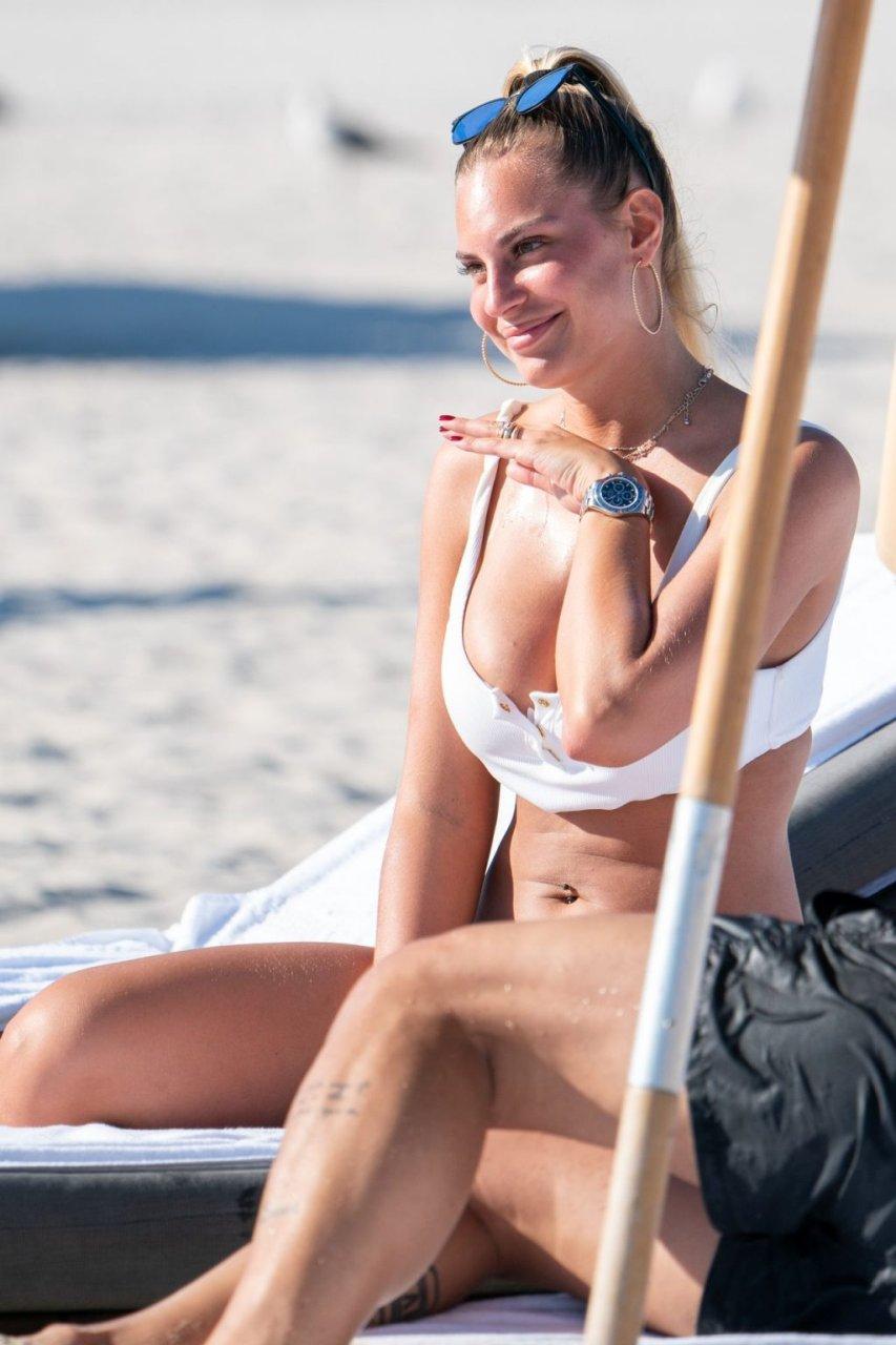 Francesca Brambilla Sexy (38 Photos)