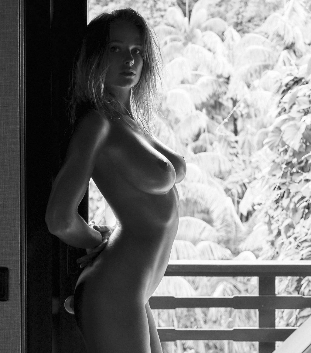 Genevieve Morton Nude (29 Photos)