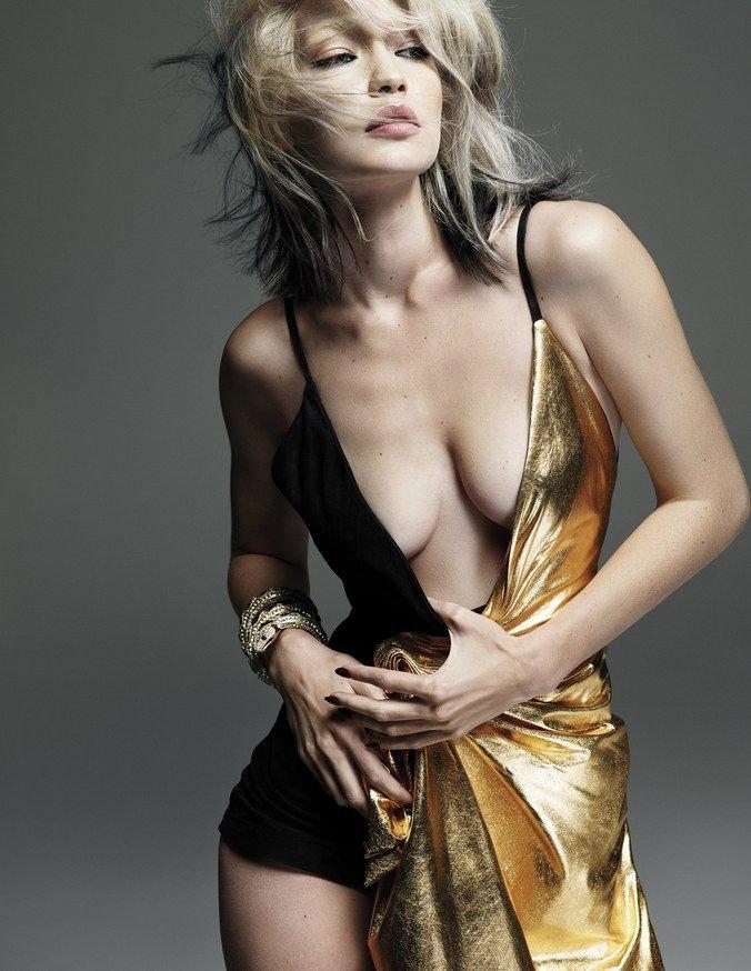 Gigi Hadid See Through & Sexy (9 Photos)