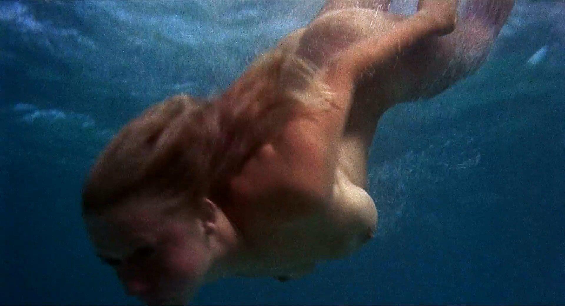 Suicide girl mira nude