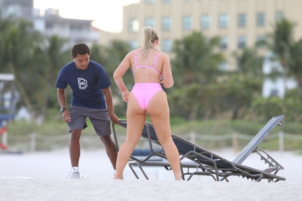 Iskra Lawrence Sexy (185 Photos)