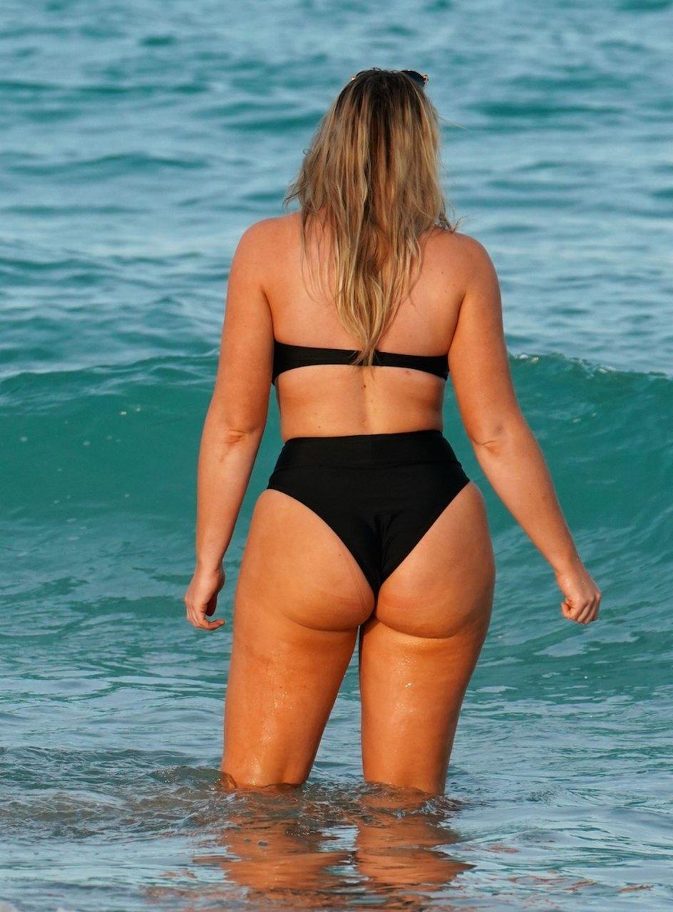 Chubby girls wearing bikinis