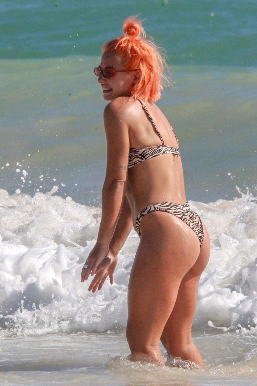 Jess Woodley Sexy (34 Photos)