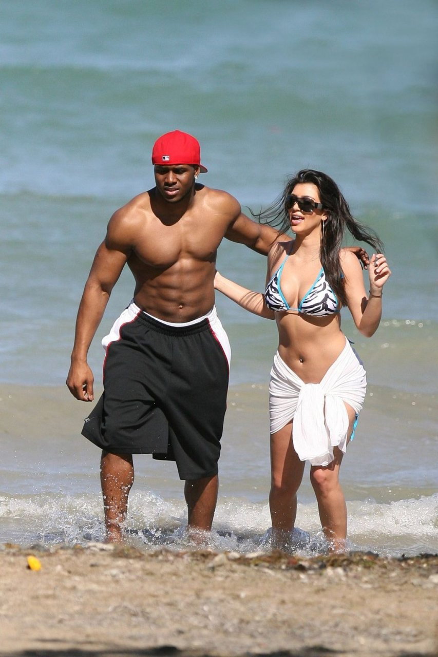 Kim Kardashian Sexy (8 Hot Photos)