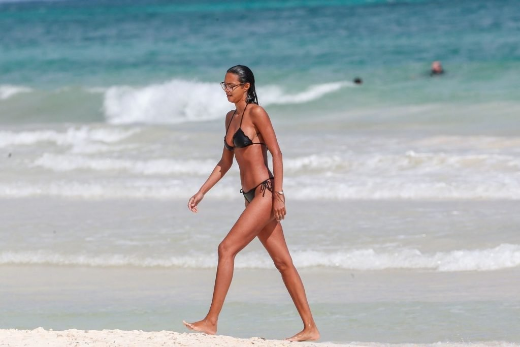 Joakim Noah Wife Naked Beach - Lais Ribeiro Sexy (48 Hot Photos)   #TheFappening