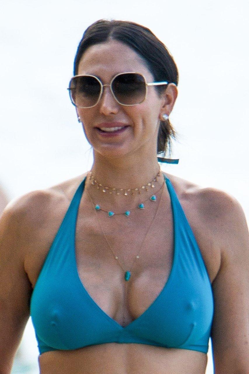 Lauren Silverman Nipple Slip - 7 Photos new images