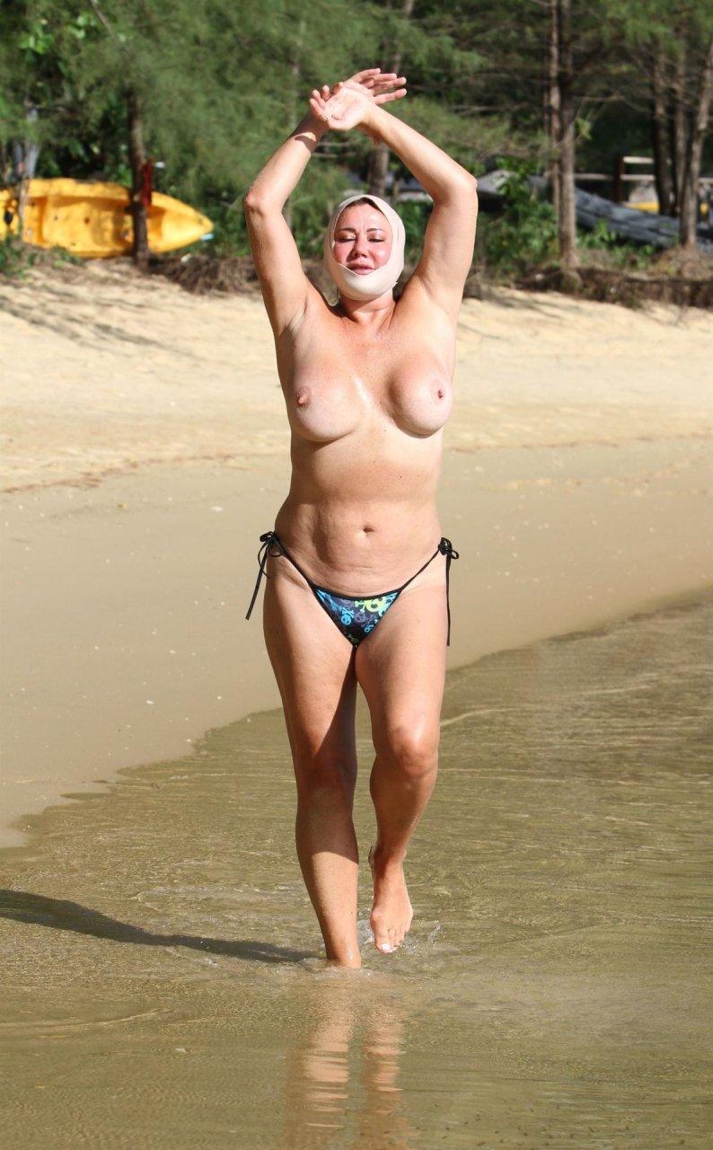 Lisa-Appleton-Topless-TheFappeningBlog.com-1.jpg