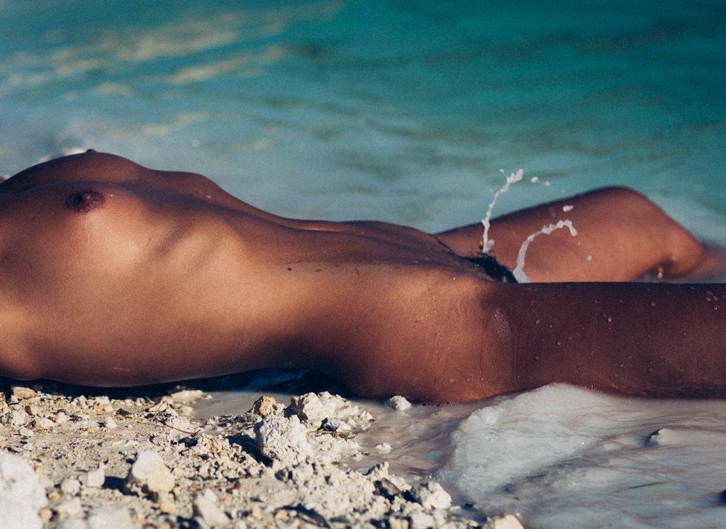 Marisa Papen Nude (10 Hot Photos)